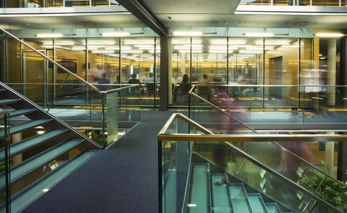 Treppenaufgang_Atrium-1132x696